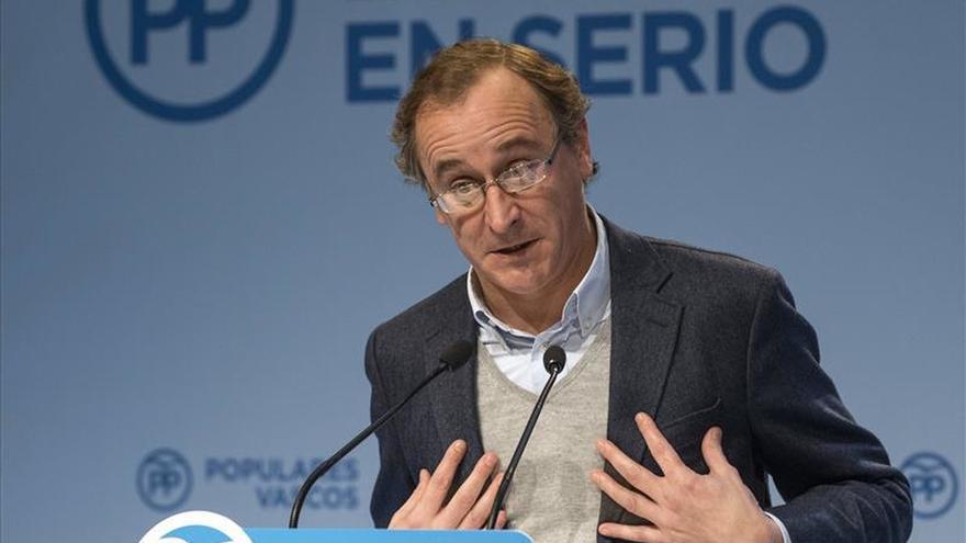 Alonso ve una desfachatez que el PSOE critique a Podemos cuando pacta con ellos