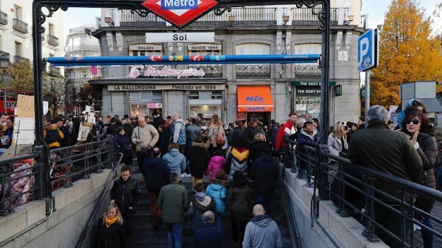 Sindicatos de Metro de Madrid convocan un paro y concentración en la Asamblea