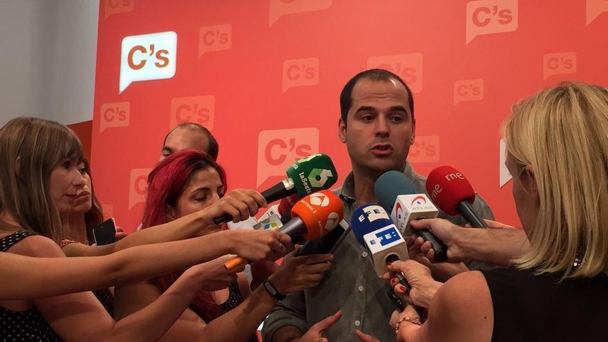 """C's Madrid dice ahora que no irán ni con Sánchez ni con Rajoy si no tienen """"mayorías para su investidura"""""""