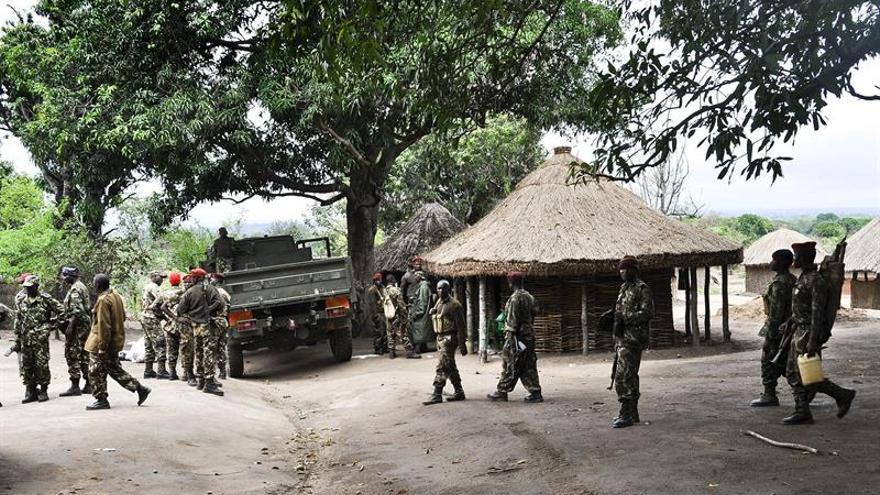 HRW pide a Mozambique que investigue una fosa común con más de 100 cuerpos