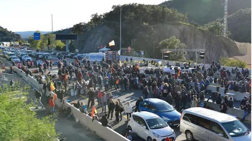 Tsunami Democratic bloquea la AP-7