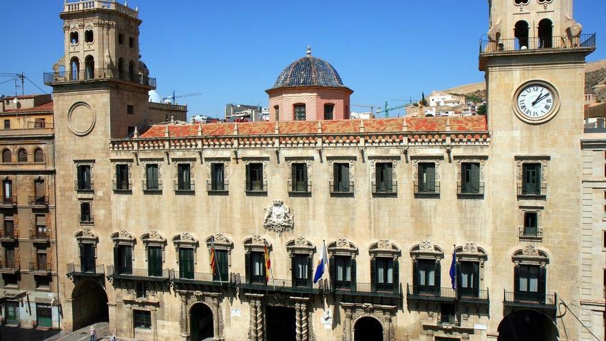 Encuentran parte de un dispositivo de grabación en el despacho de la Concejalía de Urbanismo de Alicante