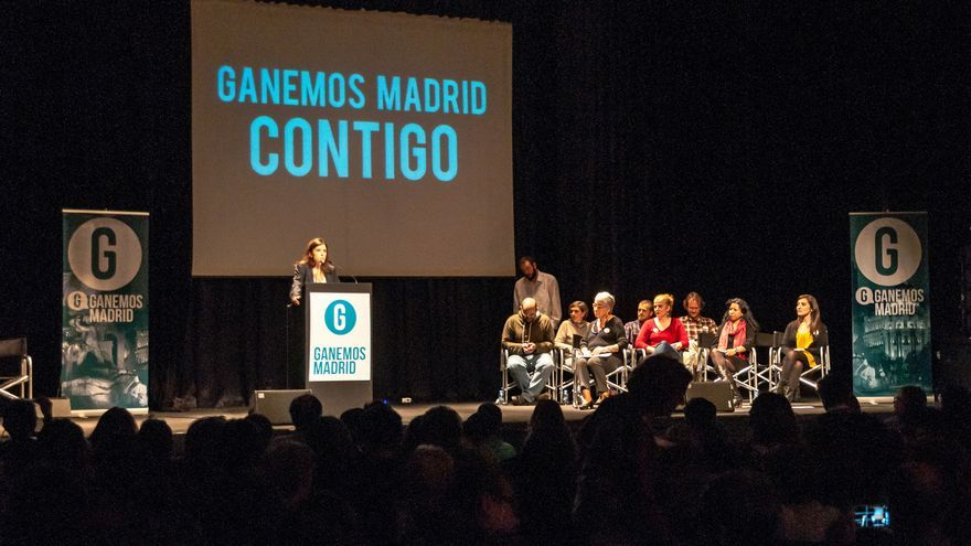 Olga Rodríguez, firmante del manifiesto, durante la presentación de Ganemos en el Círculo de Bellas Artes. / CrisisPhotography