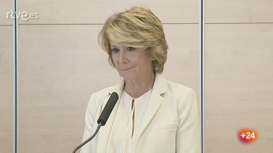 Esperanza Aguirre, anunciando su dimisión.