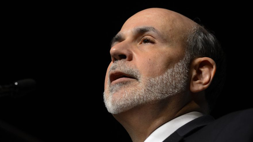 """Bernanke dice que mantendrá estímulo hasta mejora """"sustancial"""" de desempleo"""