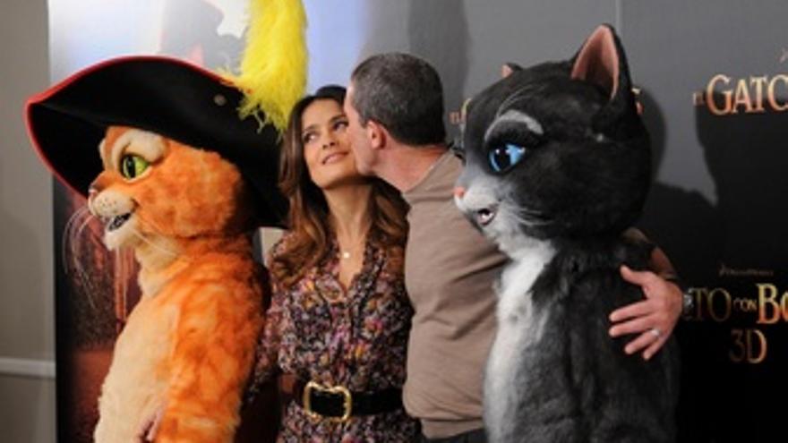 'El Gato Con Botas' Con Antonio Banderas Y Salma Hayek