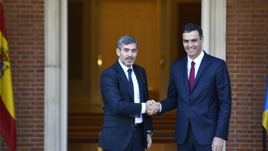 Fernando Clavijo y Pedro Sánchez, en un encuentro en Moncloa