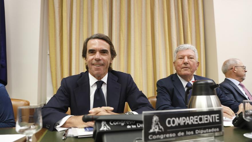 """Aznar defiende en el Congreso que actuó """"tajantemente"""" ante la corrupción y que no tiene que """"pedir perdón"""""""
