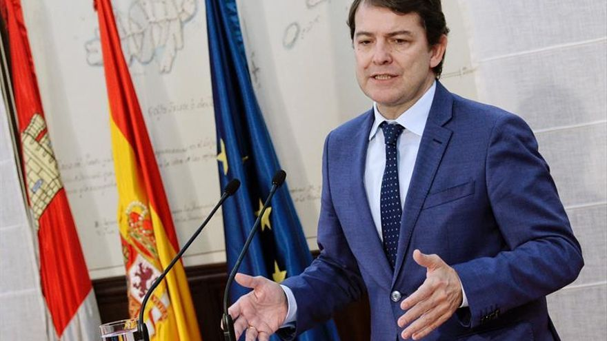 Pedro Sánchez y Mañueco hablarán el martes por la tarde