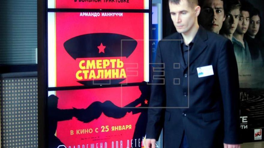 """La comedia satírica """"La muerte de Stalin"""" es estrenada en Moscú pese a la prohibición"""