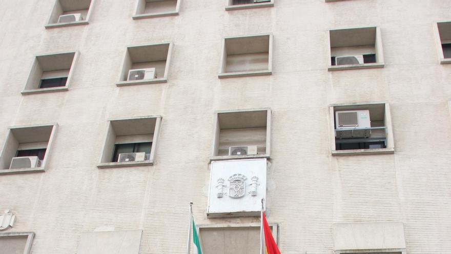 El juez encargado de los cursos de formación declara a la Junta responsable civil subsidiaria