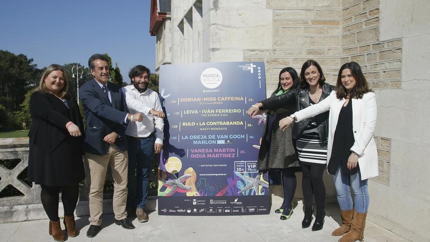 Las autoridades han presentado este miércoles el festival en el Palacio de la Magdalena.   ROMÁN GARCÍA