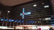 La Comisión Europea se desvincula de un mensaje político sobre Escocia proyectado en su fachada la noche del Brexit