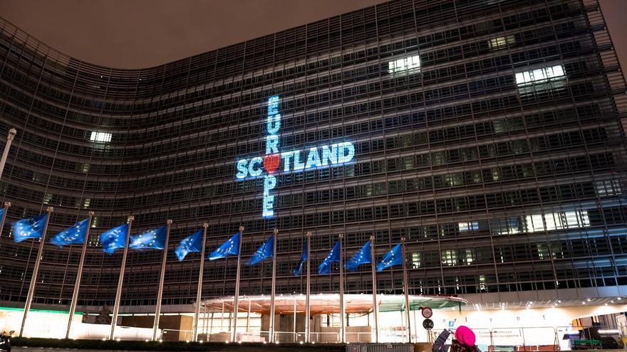Proyección sobre el edificio de la Comisión Europea el día del Brexit.