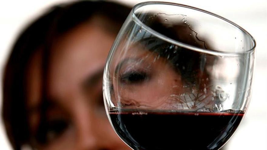 Bebidas azucaradas y picar entre horas reducen la diversidad de la microbiota