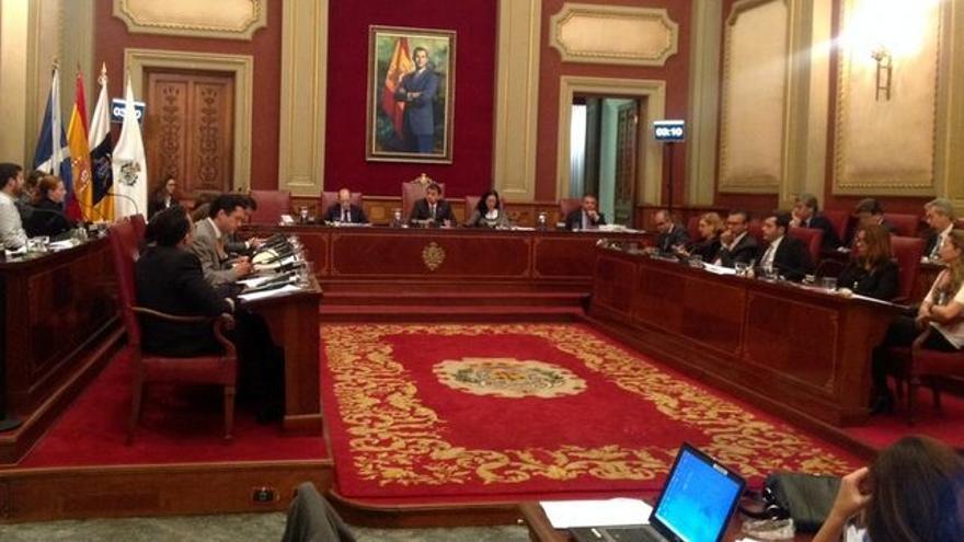 Imagen de archivo de un pleno del actual mandato en Santa Cruz