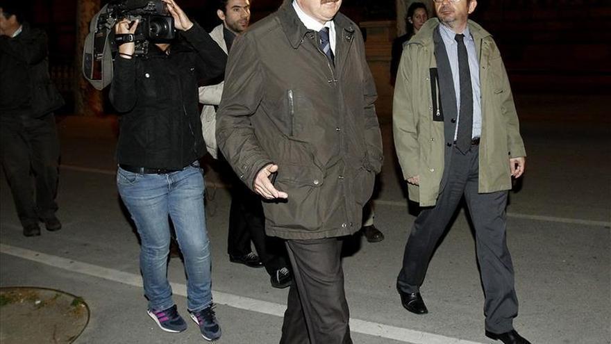 El Parlamento catalán acepta la renuncia de Crespo como diputado