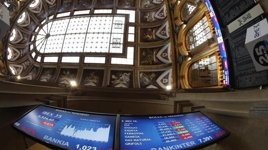 La Bolsa española abre con ganancias del 0,26 % a la espera de la Fed
