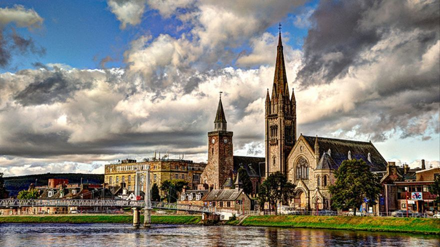 Agujas de la catedral de Inverness. Mendhak