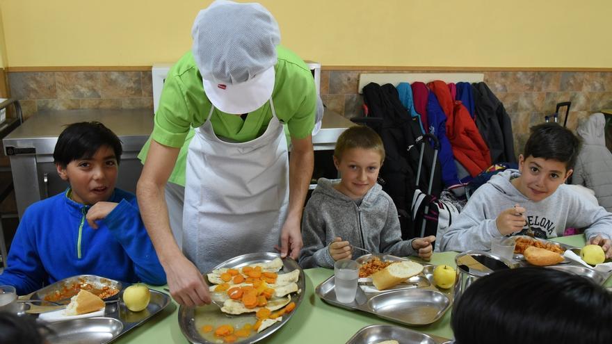 Cada vez más comedores escolares donan su excedente alimentario