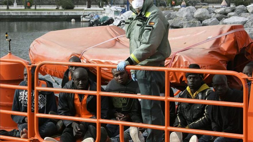 Interceptada una patera con siete inmigrantes cerca de la costa de Ceuta
