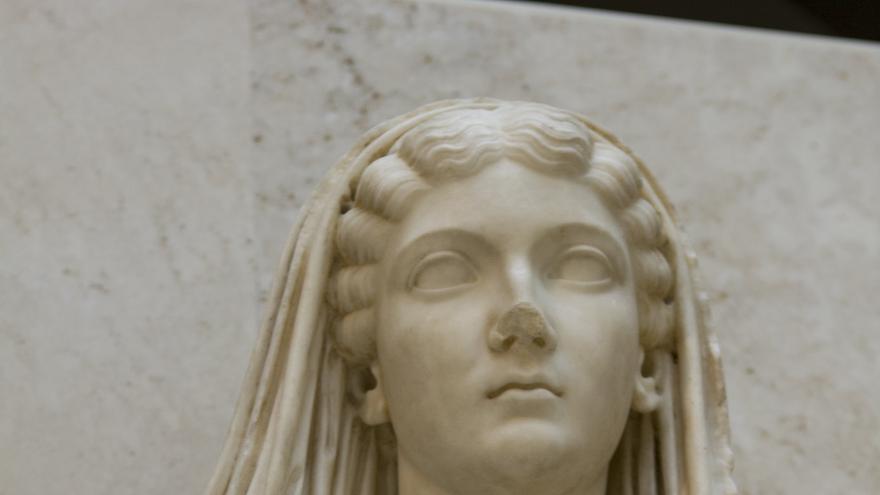 Livia divinizada. Esta magnífica escultura es uno de los tesoros romanos del Museo Arqueológico Nacional. Viajar Ahora
