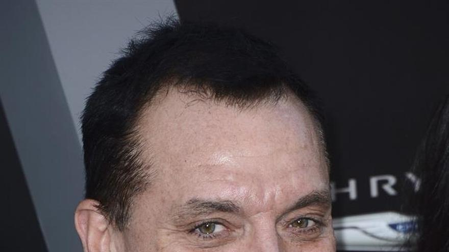 Acusan a Tom Sizemore de abusar sexualmente de una actriz de 11 años en 2003