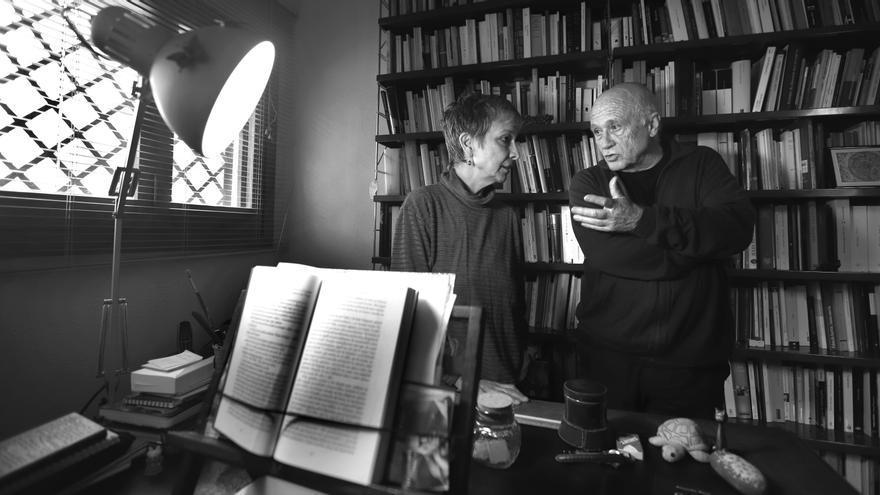 Visitem Anna Montero i Vicent Alonso a la seua casa de la urbanització Tancat de l'Alter, al terme de Picassent.