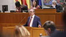 Lambán en la comparecencia a petición propia en el pleno de las Cortes de Aragón.