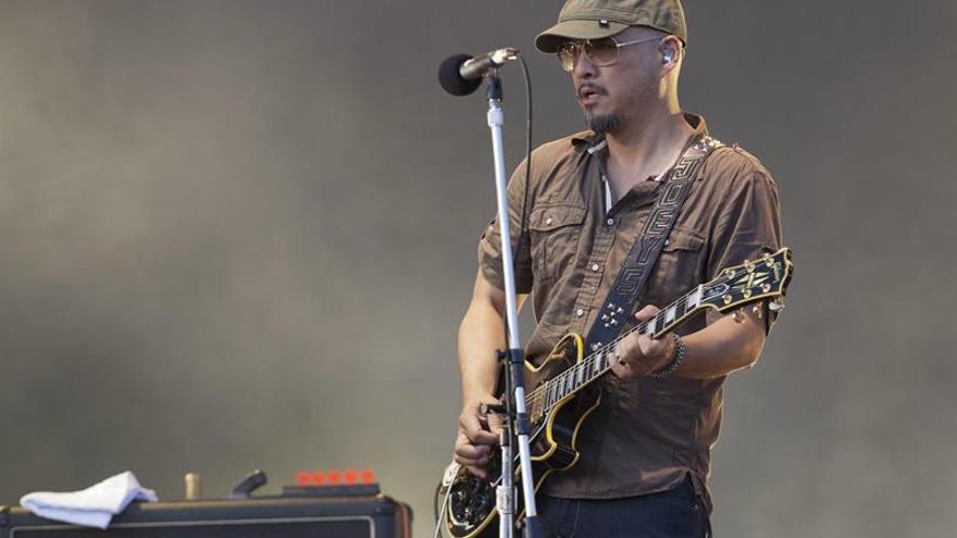 Joey Santiago, guitarrista de Pixies, entra en rehabilitación
