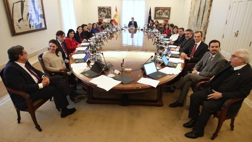 Sala de reuniones de La Moncloa durante el primer consejo de ministros del Gobierno de coalición del PSOE y Unidas Podemos en la XIV Legislatura