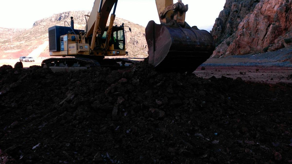 Los trabajos de construcción del embalse de Mularroya continúan en los cauces del Jalón y de su afluente el Grío.