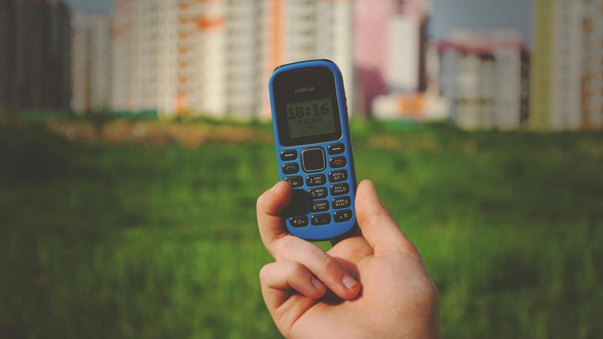 Cuatro móviles sencillos que facilitarán la comunicación a los mayores