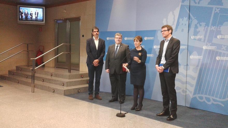 Gobierno vasco y alcaldes esperan tener definidos en un año los proyectos de acceso de TAV a las capitales vascas