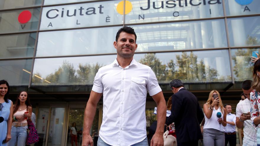 El Supremo rechaza el caso de paternidad de Julio Iglesias porque ya se juzgó