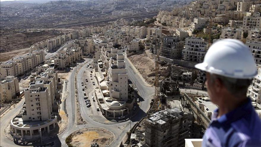 Israel acusa a la UE de dañar posibilidades de paz con norma contra colonias