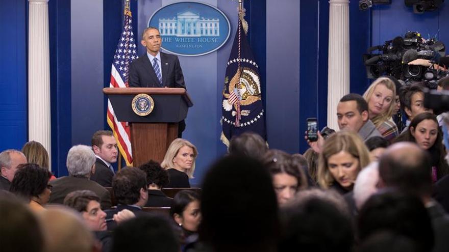 """Obama: """"Pocas cosas pasan en Rusia sin la aprobación de Vladimir Putin"""""""