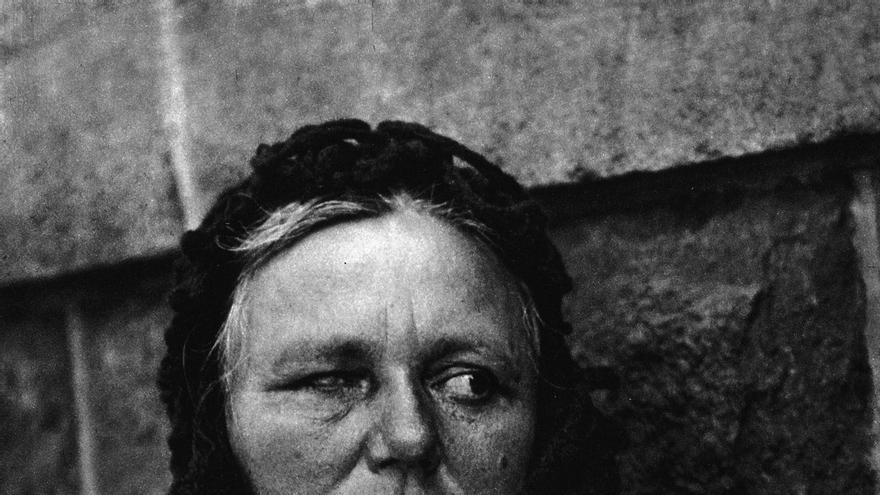 Paul Strand, 'Mujer ciega', 1916, fotograbado