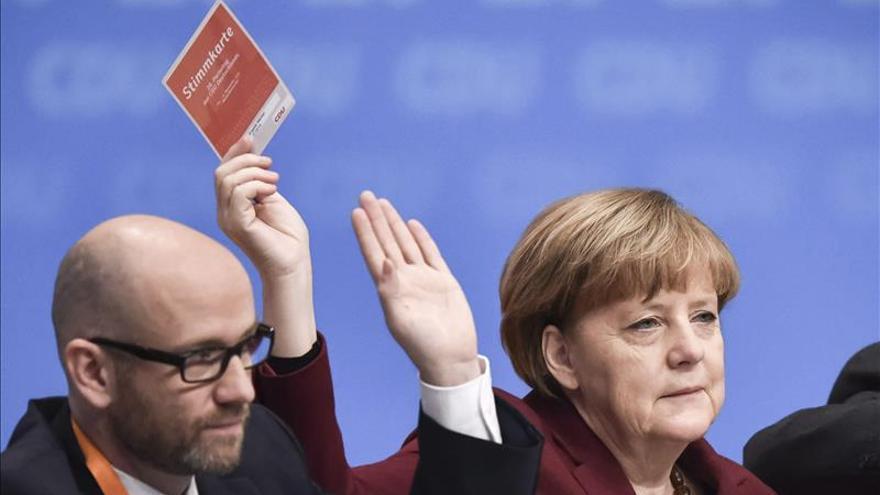 La CDU de Merkel aprueba incluir el himno nacional en la Constitución