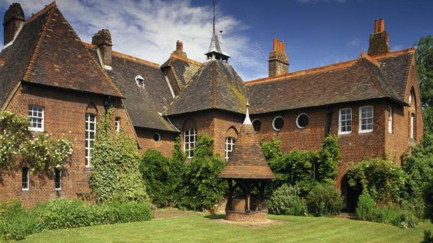 The Red House, vivienda diseñada por William Morris y Philip Webb| www.visitlondon.com.