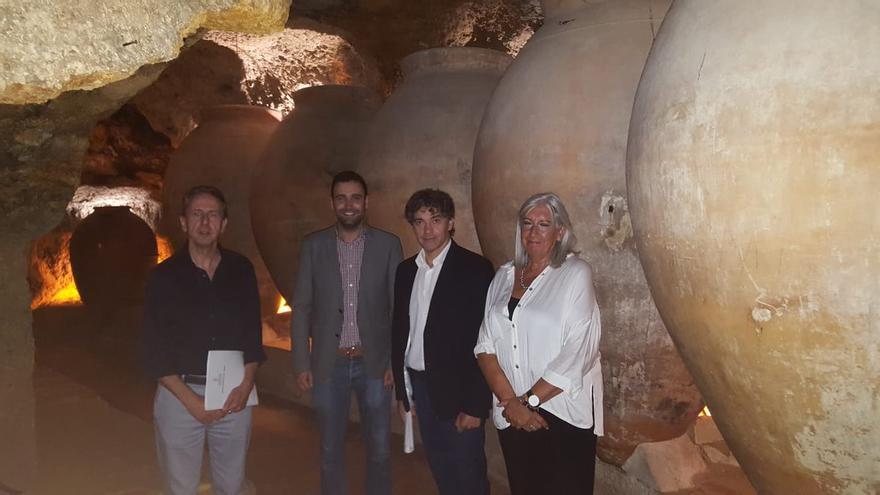 Francesc Colomer ha visitado Requena donde ha anunciado el proyecto del CdT