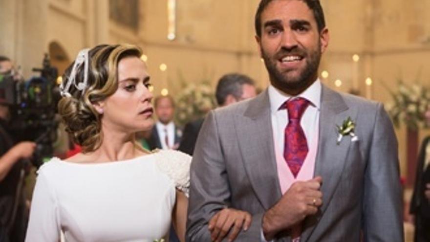 Adiós a 'Allí abajo' con boda: la pareja nos confiesa lo que les separa en la realidad