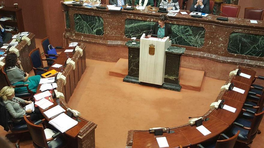 La diputada de Podemos María Giménez replica a la consejera Martínez-Cachá