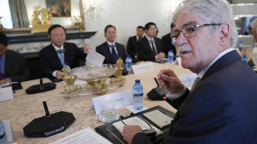 "Dastis afirma que el ""brexit"" no va a perjudicar al Campo de Gibraltar"
