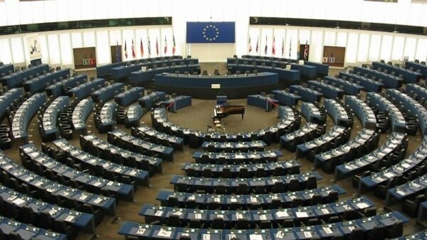 La Eurocámara aprueba una resolución para detener la decapitación y crucifixión de un joven activista saudí
