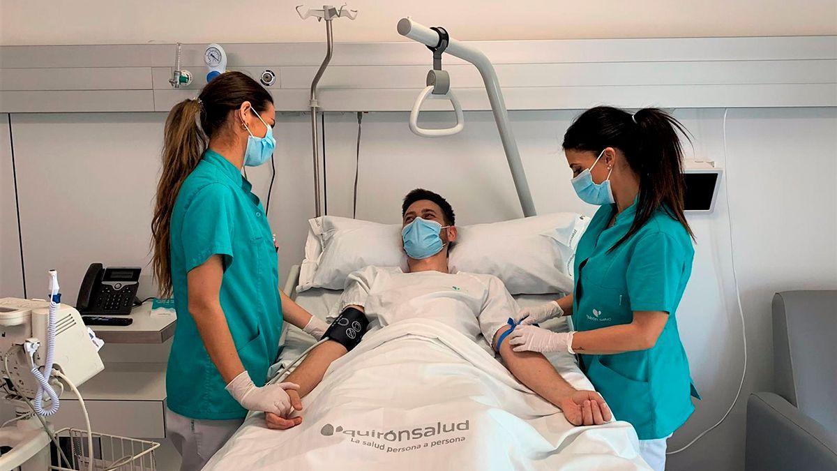 Enfermeras en el Hospital Quirón de Córdoba.