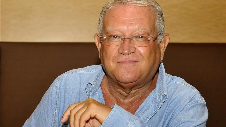 Juan José Armas Marcelo gana el premio Francisco Umbral al Libro del Año