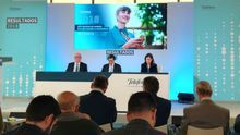 El presidente de Telefónica descarta un impacto en el negocio por la incertidumbre política en España