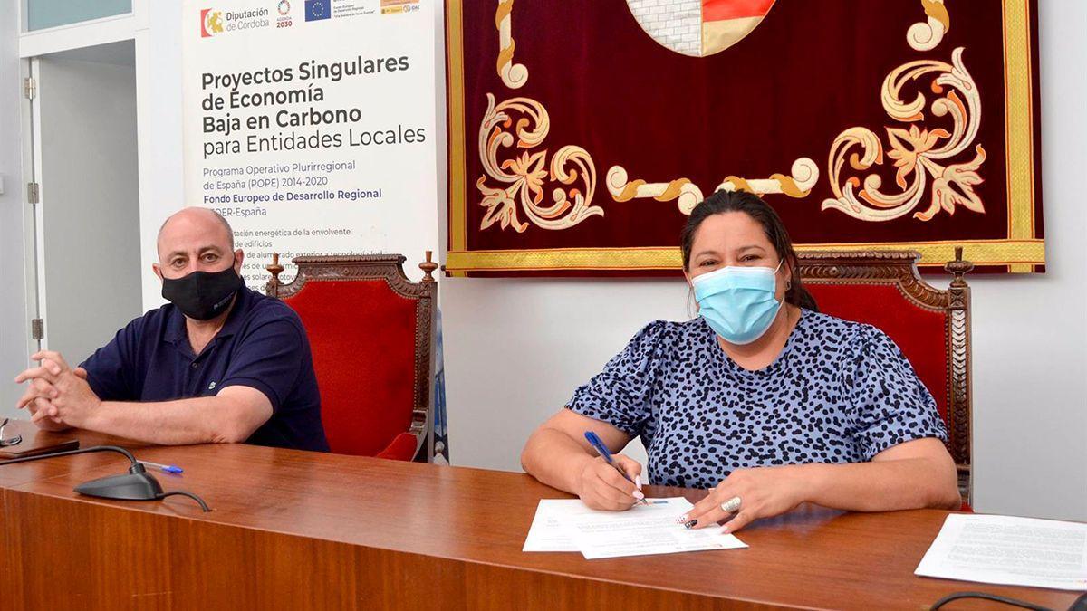 La vicepresidenta primera de la Diputación de Córdoba, Dolores Amo, en su visita a Posadas.