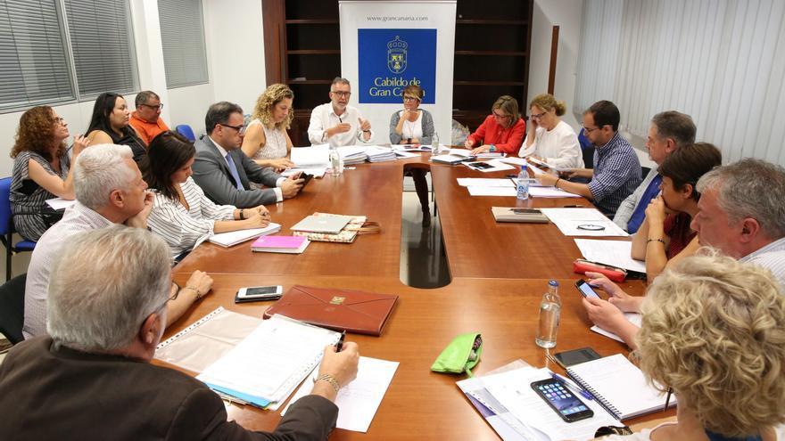 Comisión del Pleno de Política Social, Cultura, Deportes e Igualdad en la que se informó sobre los contratos en Deportes
